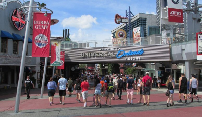 Eat, Drink & Shop at Universal CityWalk