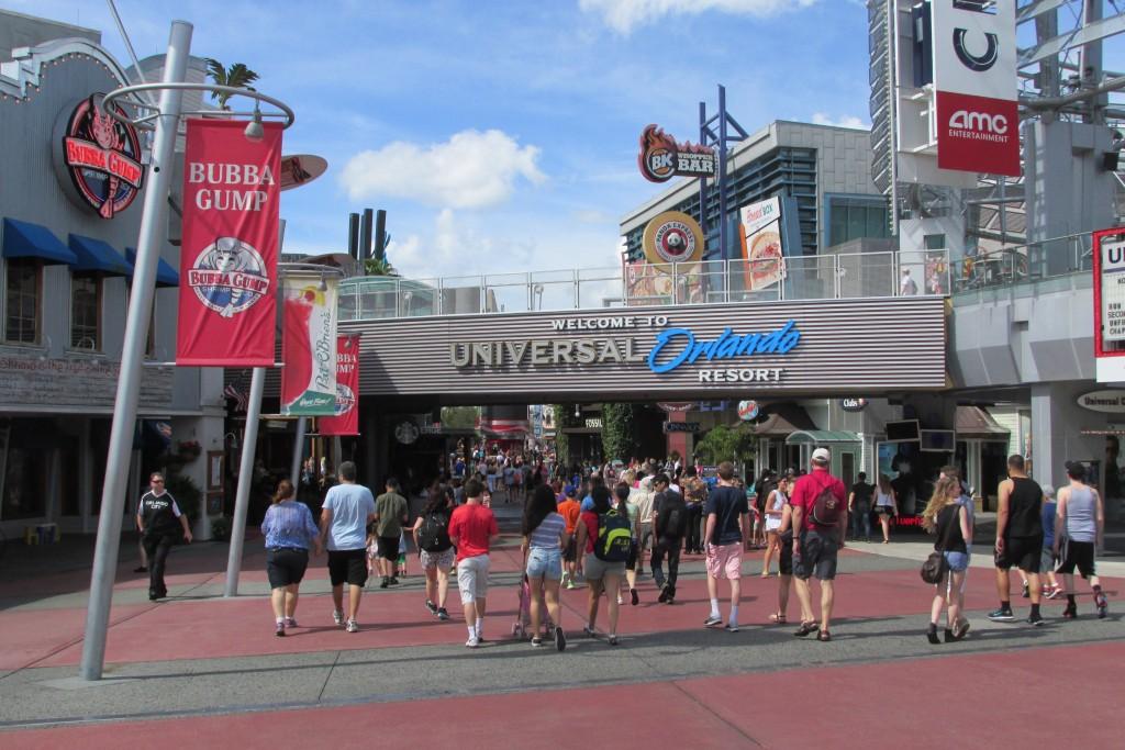 Eat, Drink & Shop at Universal CityWalk
