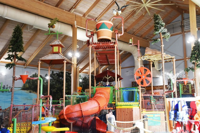 Great-Wolf-Lodge-Boston-Waterpark-1