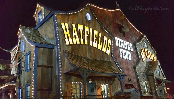 Hillbilly-Fun-At-Hatfield-And-McCoy-Dinner-Feud-